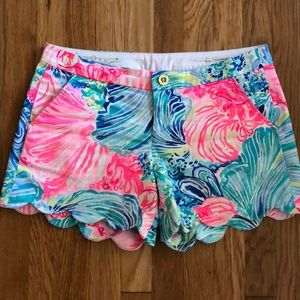 Lilly Pulitzer scalloped Buttercup shorts ☀️💕